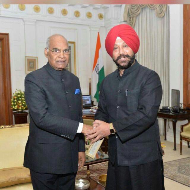 general-secretary-honorable-gurinder-singh-with-president-of-india-ram-nath-kovind.jpg
